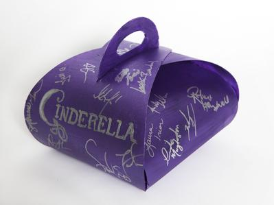 CAST OF CINDERELLA'S ONE-OF-A-KIND CRONUT™ BOX