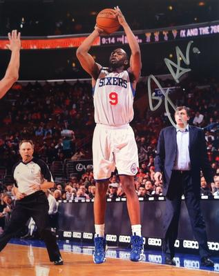 8 X 10 autographed photo of 76er, James Anderson