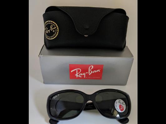 Black Ray-Ban Sunglasses