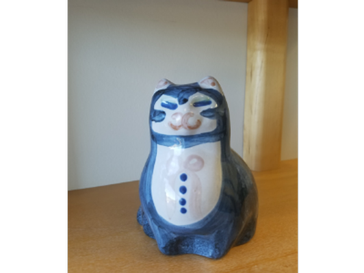 Blue and White Porcelain Painted Cat Statue