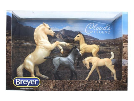 Cloud 's Legends Breyer Models