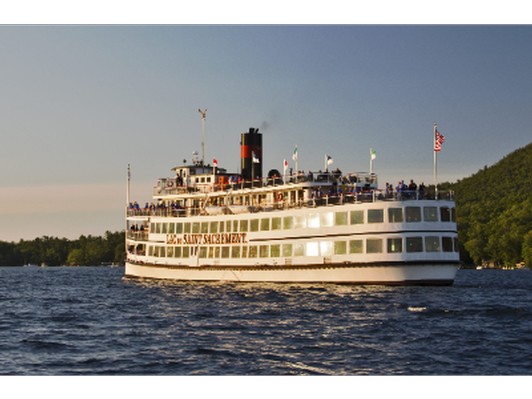 DINNER CRUISE FOR TWO ABOARD THE LAC DU SAINT SACREMENT!