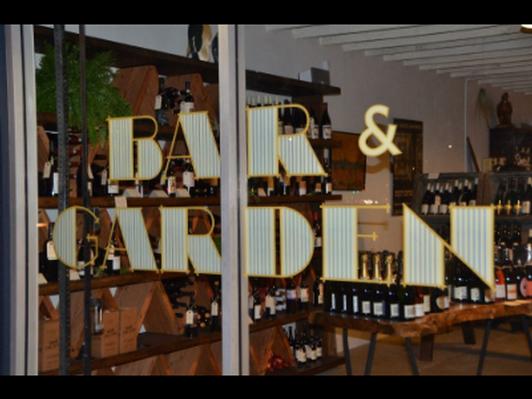 Bar & Garden