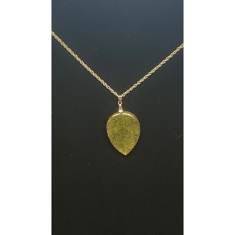 "Leaf Pendant with 30"" Chain"