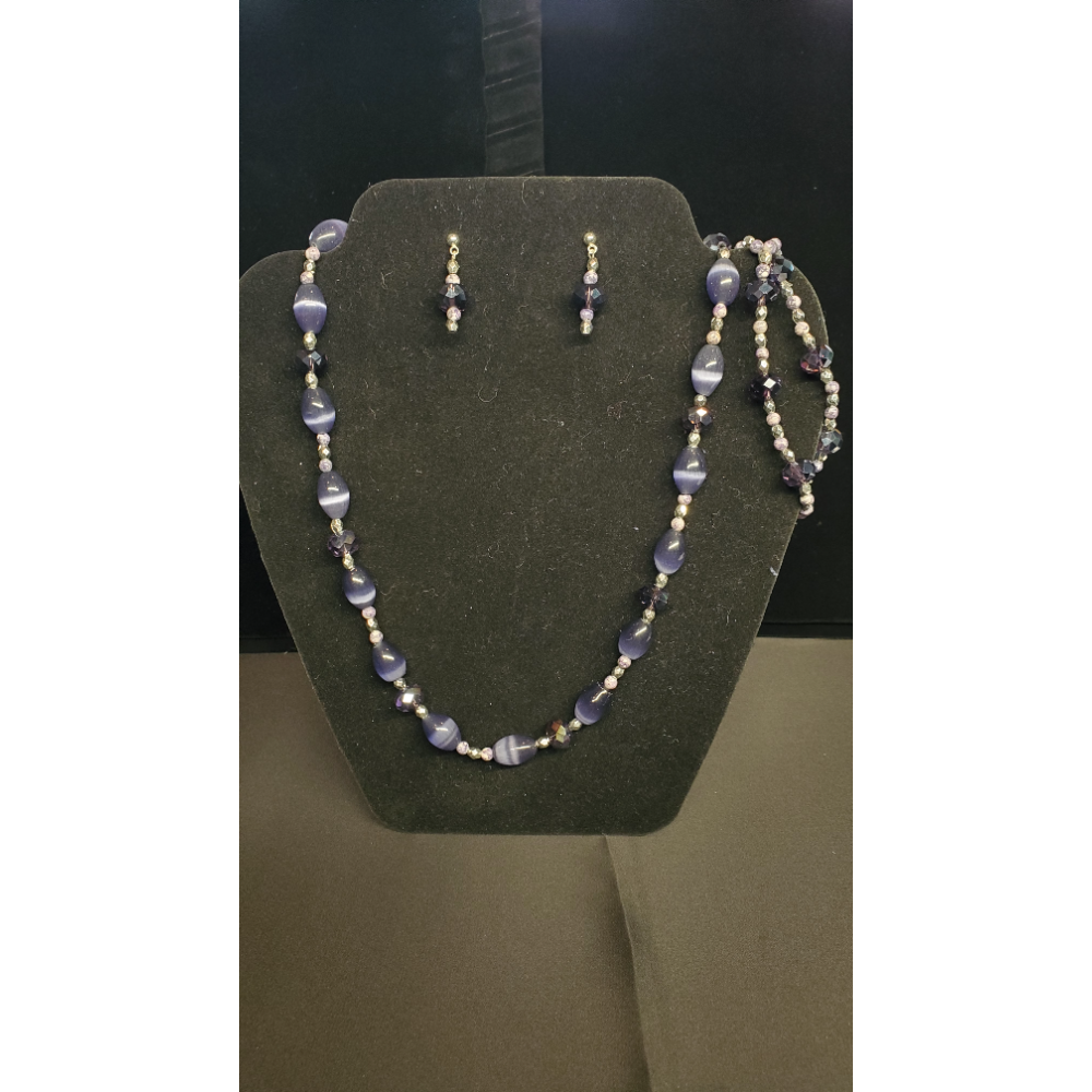 "Purple 20"" Beaded necklace with 2 Bracelets 7 1/2"" and earrings"