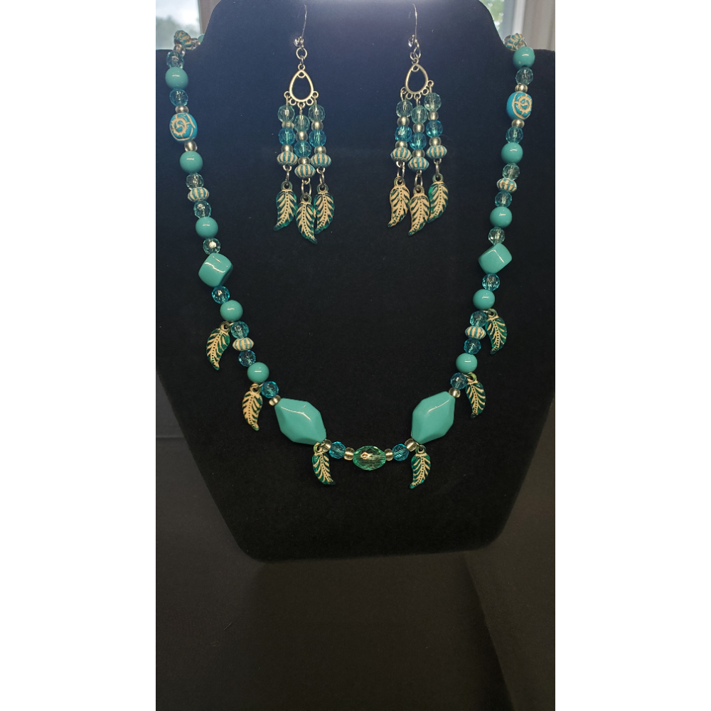 "Turquoise beaded 20"" necklace with Earrings"