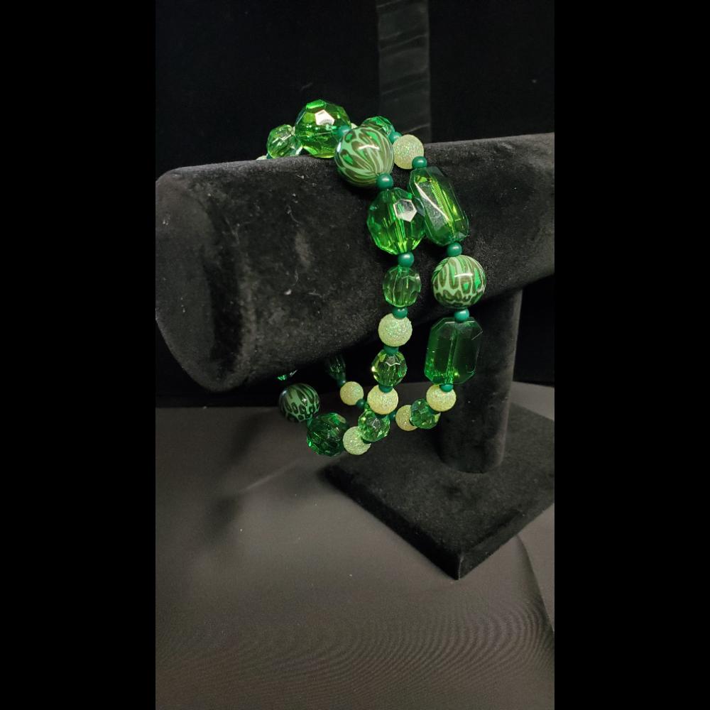 """8"""" Green Beaded Bracelet set"""