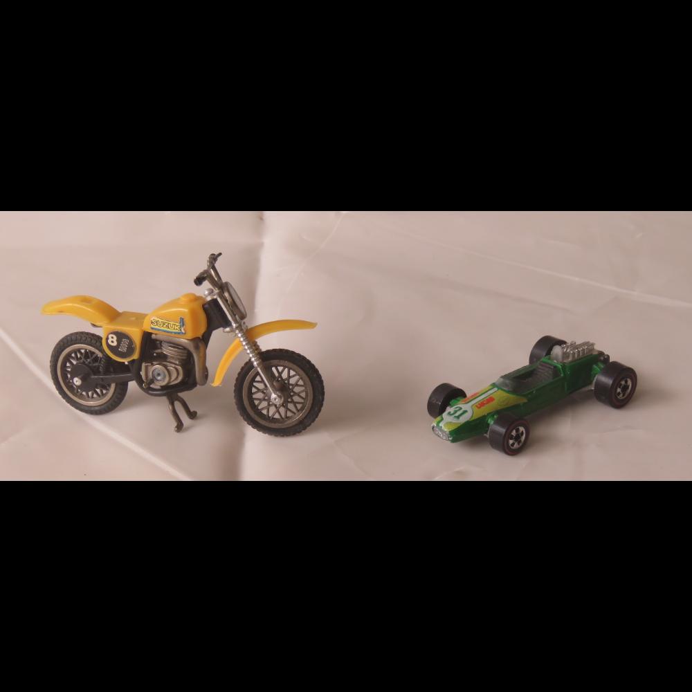 "Hot Wheels Rash 1    ""Lucas 31""  &  Suzuki Motorcycle"