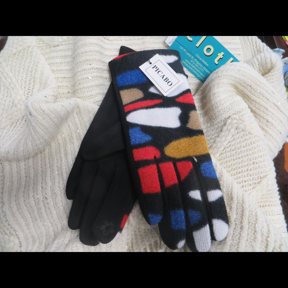 Cream Coloured Poncho w/Picabo Gloves