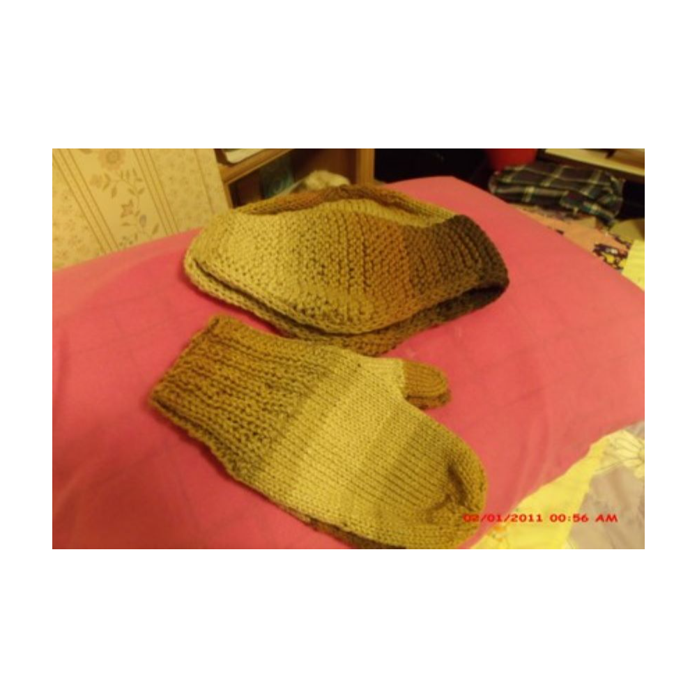 Men's Crocheted Hat and Mittens
