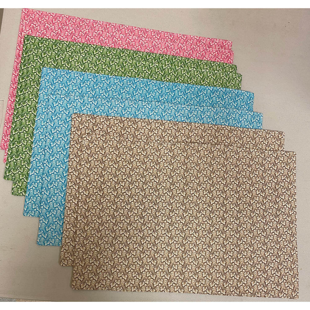 8 Leaf Pattern Cloth Placemats
