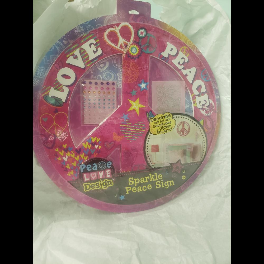 Love & Peace Sparkle Peace Sign Wall Art Kit