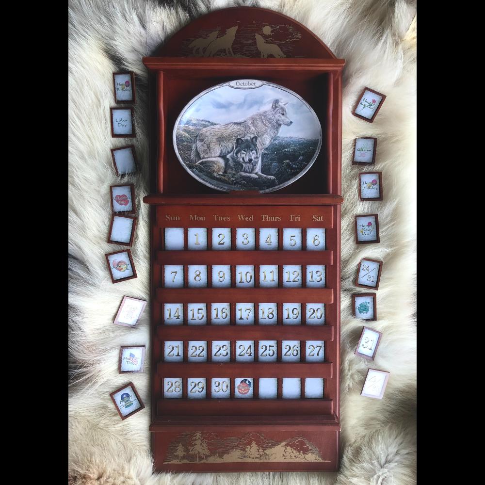 Bradford Exchange Perennial Wolf Plates Calendar