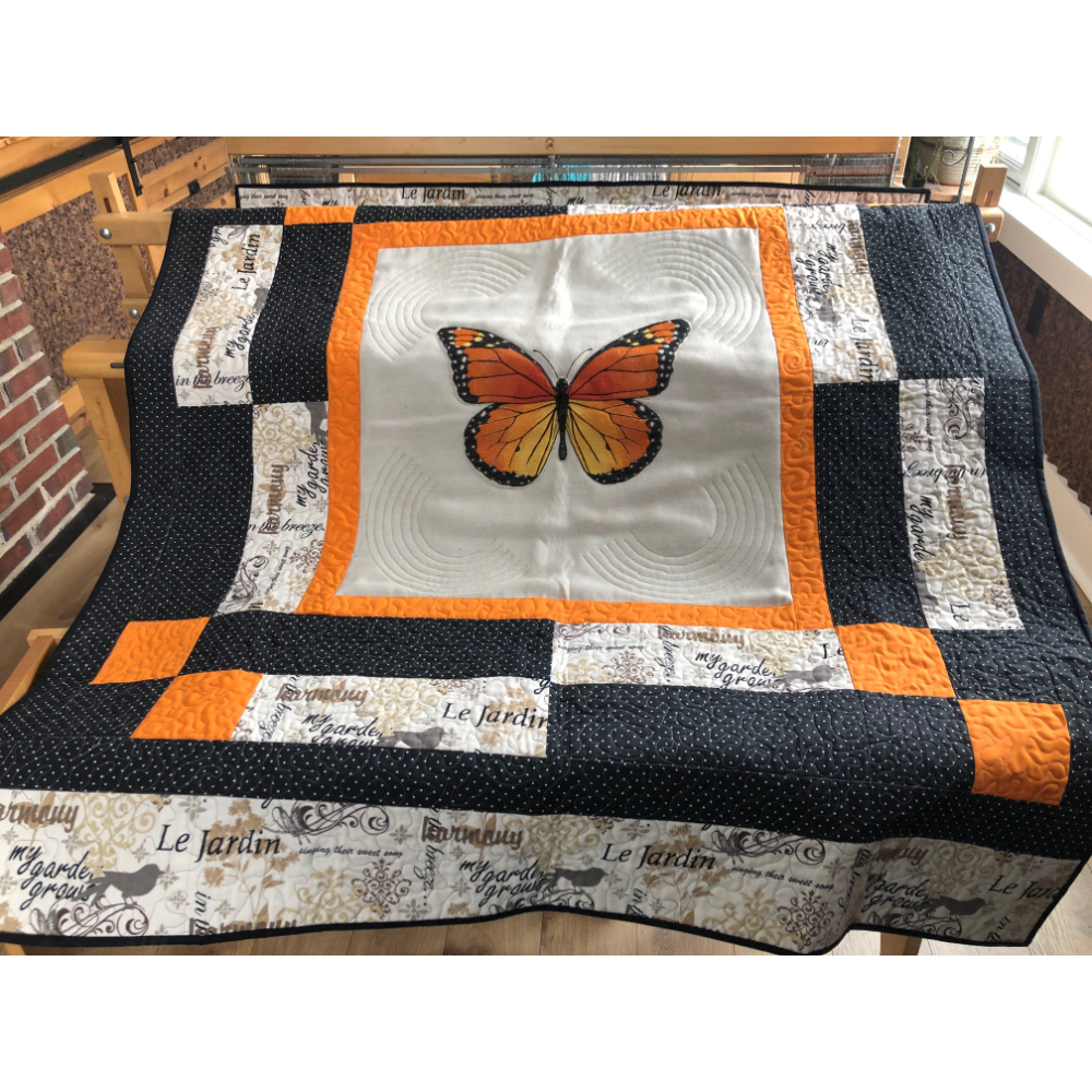 Machine quilted table cloth