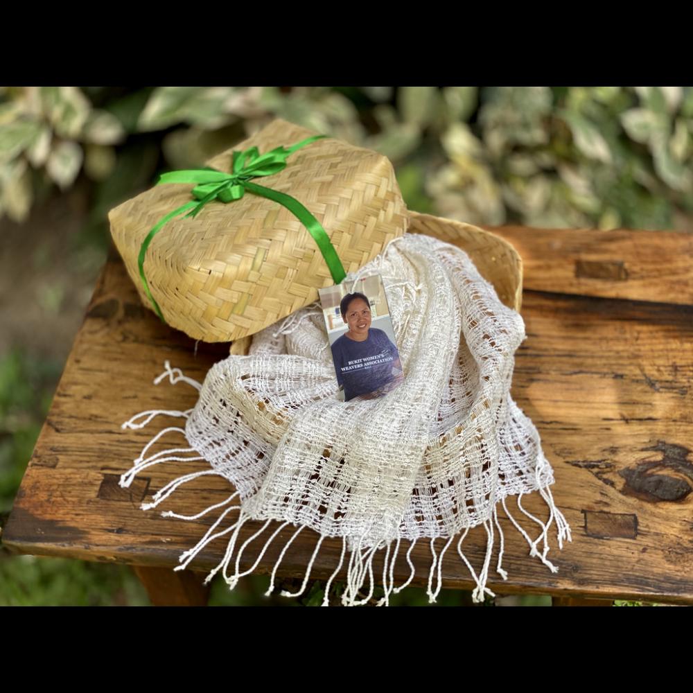 Handwoven white Calavin scarf