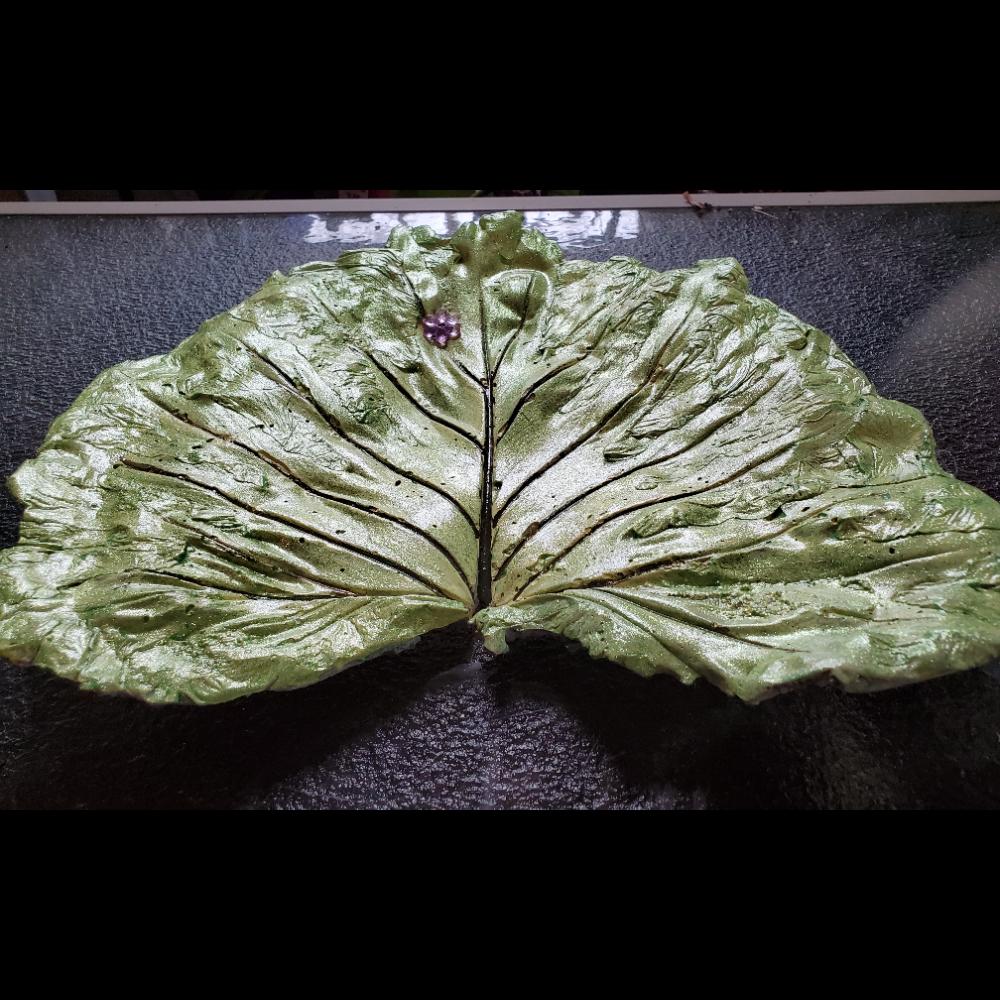 Leaf casting birdbath