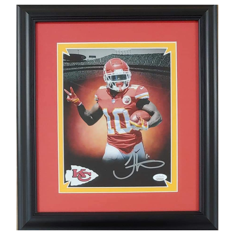Tyreek Hill Autographed 8x10 Photo