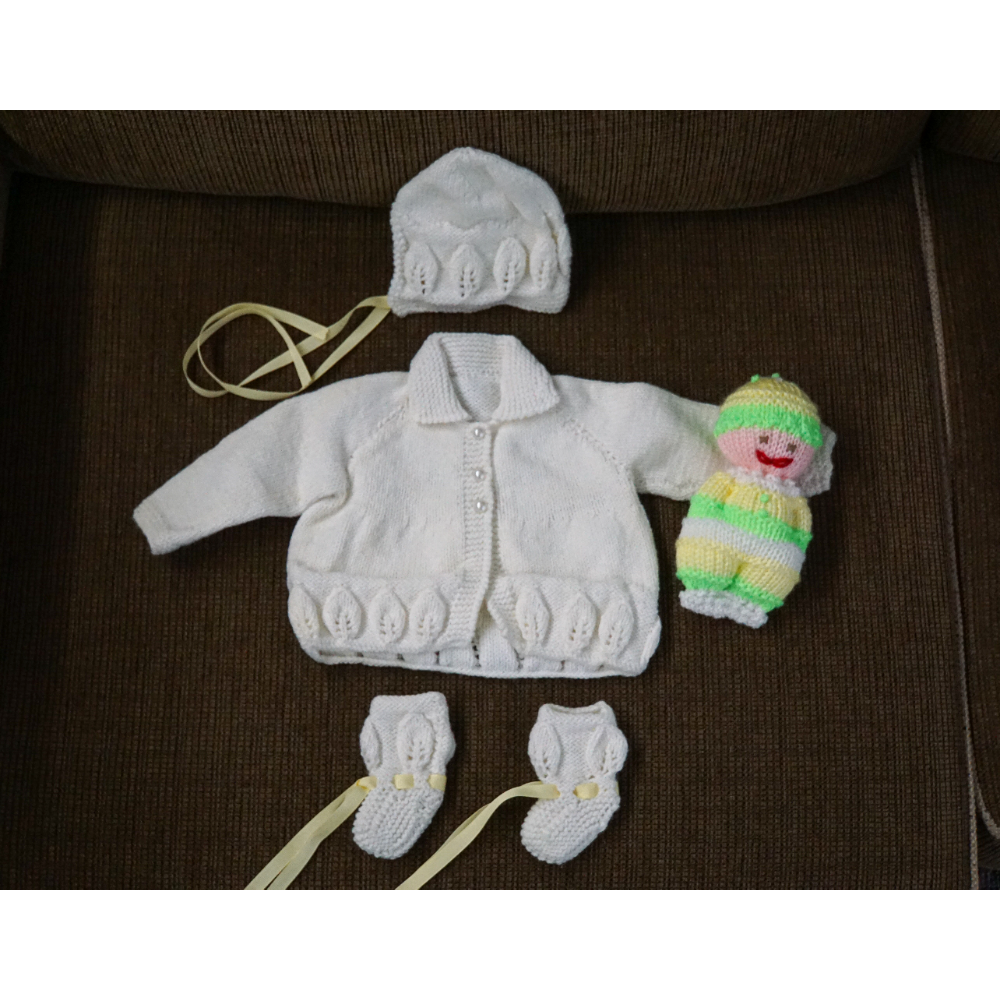 Baby's Handknit Lullaby Layette