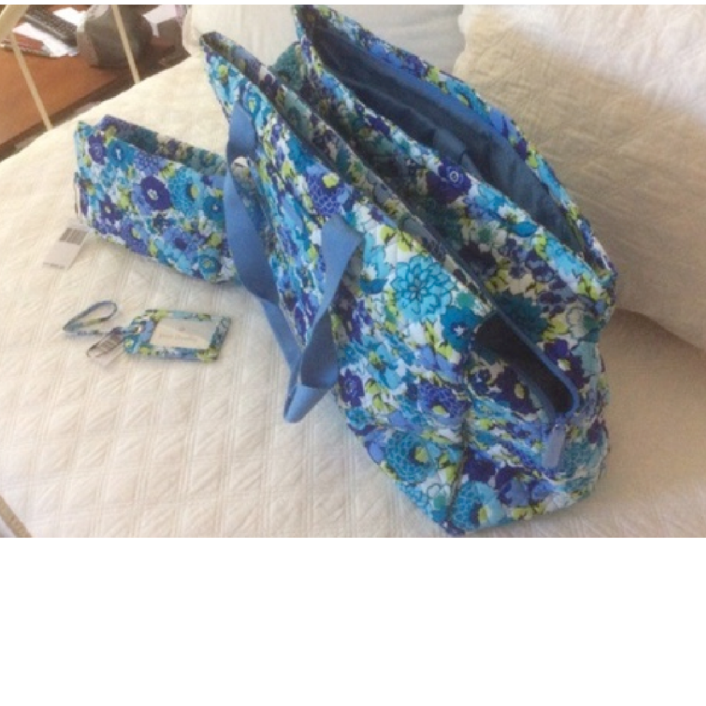 Vera Bradley Travel & Cosmetic Bag with Luggage Tag in Blueberry Blooms