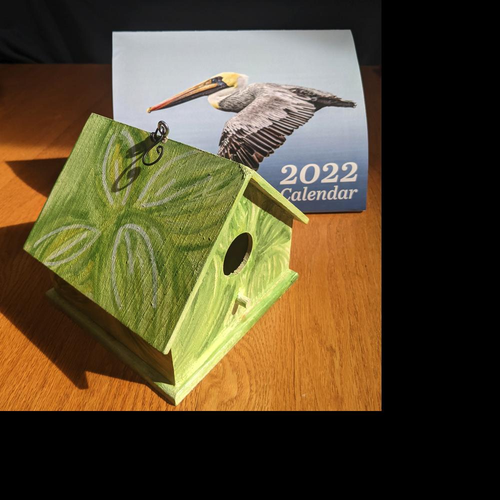 Bird House with 2022 Audubon Society Calendar